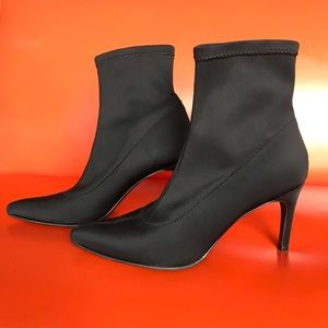 Mossimo Supply Co. sock booties in black, size 6